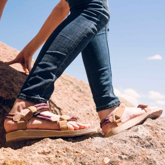 e30876686025 NWT Teva Universal Leather  Rope Sandals